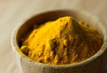 Why Turmeric is Great for Acne & How to Use It